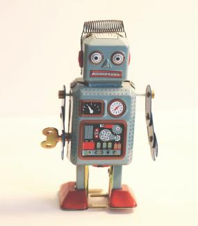 Image of an old robot toy